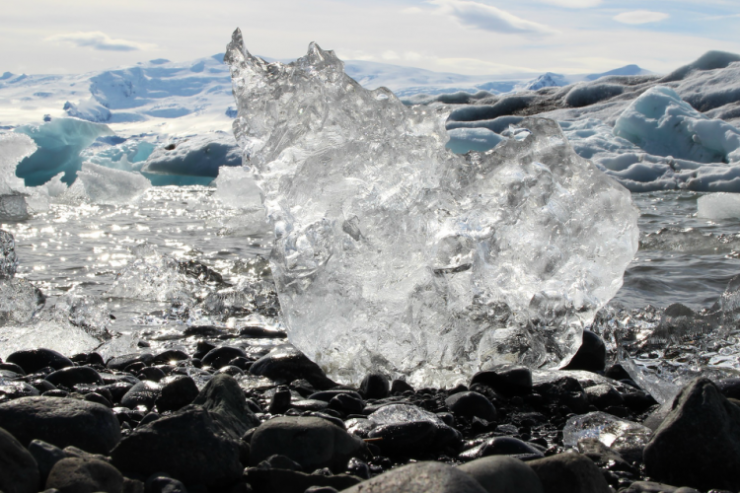 Advarer mot rask snøsmelting i Sør-Norge